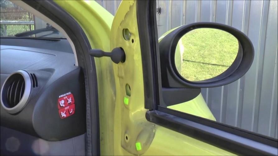 Manual Adjusted Wing Mirror